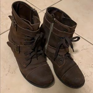 Dolce Vita brown combat boots